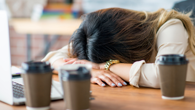 New Study Shows a Lack of Sleep Actually Makes You Feel Drunk!